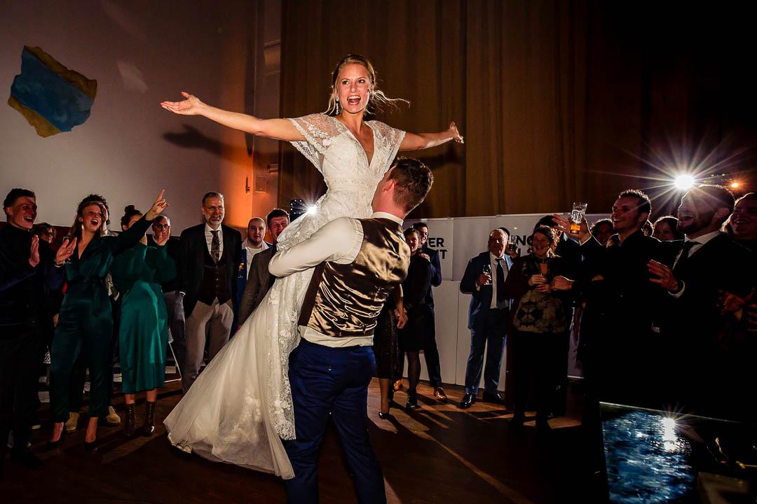 Trouwfeest bij Marienhof Amersfoort, bruidsfotografie Amersfoort, Trouwen in Amersfoort, Trouwjurk Modeca