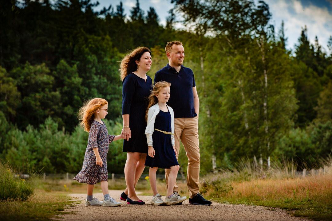 gezellige en ongedwongen familie fotoshoot Apeldoorn, familie fotoshoot Apeldoorn, ongedwongen fotoshoot Apeldoorn