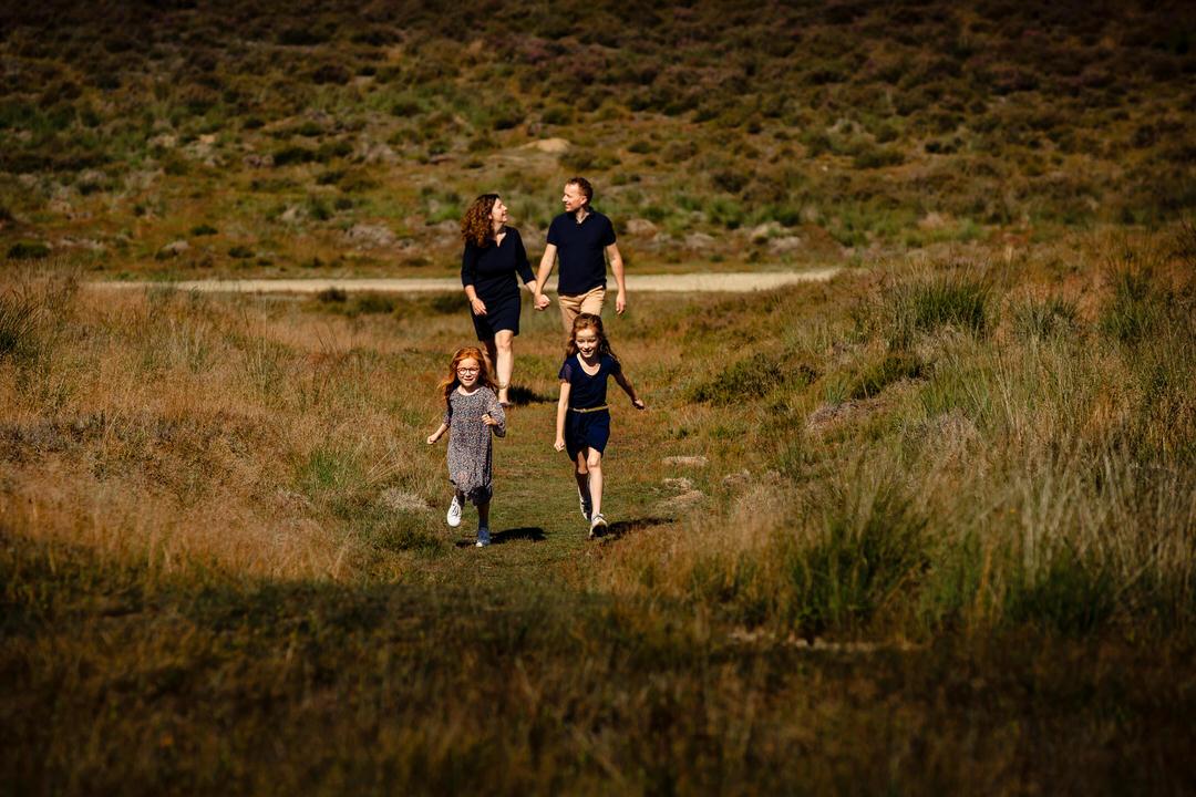 ongedwongen en gezellige familie fotoshoot Apeldoorn, fotoshoot Apeldoorn, Familie fotoshoot Apeldoorn